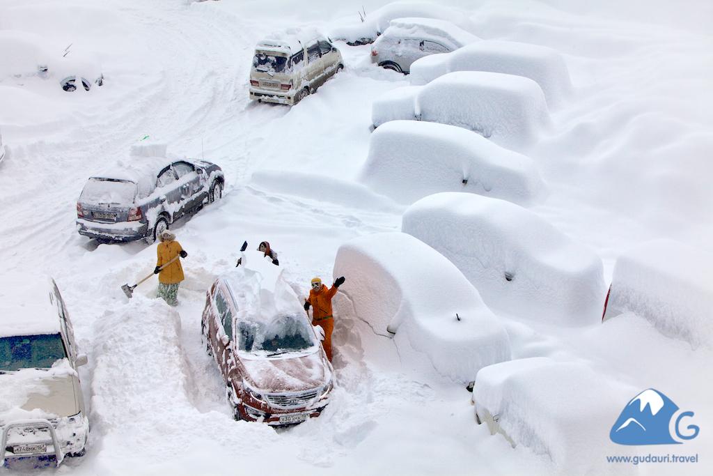 Снегопад в Гудаури