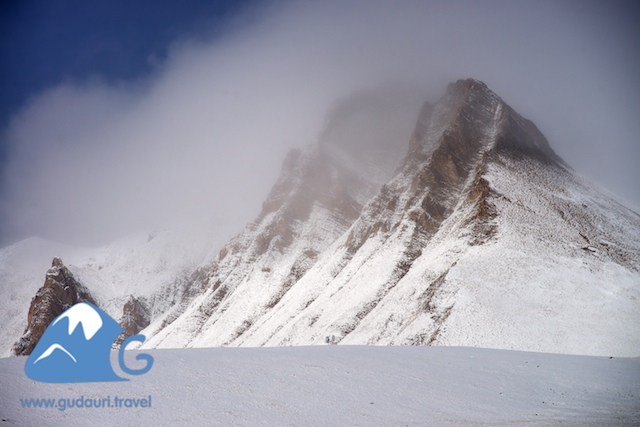perviy-sneg-gudauri015.jpg
